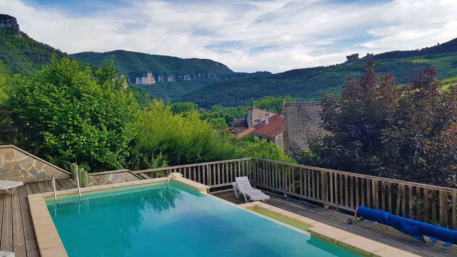 Piscine avec vue panoramique sur les gorges du Tarn - Chambres d'hôtes les Gargouilles (Boyne)